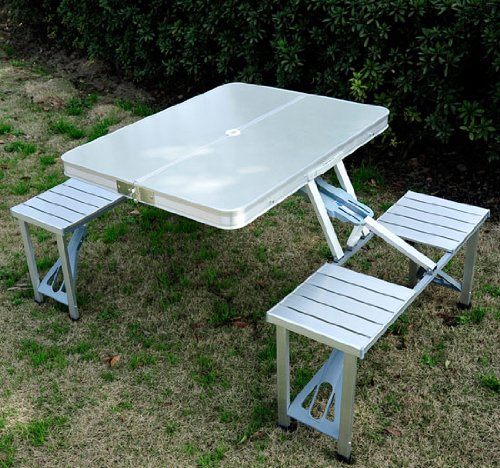 4. Outsunny Outdoor Folding Camp Picnic Table